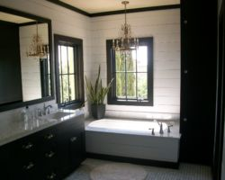 Black-and-white Bathroom